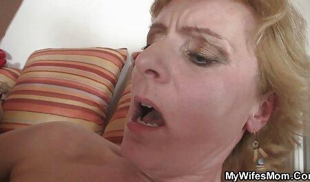 رابطه جنسی با دانلود فیلم سکسی پسر عمه های بالغ در لباس زیر زنانه روی تخت