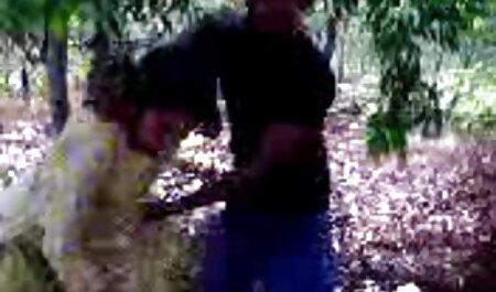 سبزه سبک سگی فیلم سوپر مادر با پسرش در جوراب شلواری دوست پسر خود را فریب می دهد