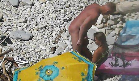 دخترک لاغر فیلم های سکسی دختر و پسر موجود در دامن ، قارچ همکاران خود را با دهان می گیرد و در هر دو سوراخ آنها را لگد می زند
