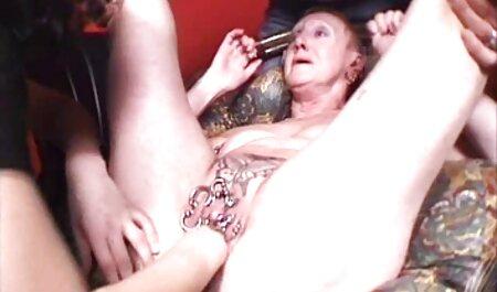 این مرد فیلم سکس پسر با پسر نوجوان به صورت آنالیلی بهترین دوست دختر خود را روی یک مبل چرمی لعنتی