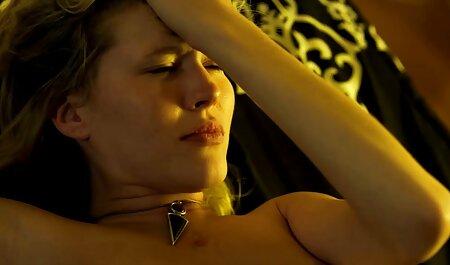 لزبین های داغ با یک استریپون سیاه فیلم سکس مادر و پسر خارجی لعنتی