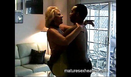 پسر سکس پسر فیلم خال کوبی از رابطه جنسی تنبل است و گل میخ را در دهان عمه بالغ می گذارد