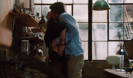 معشوق ریش فیلم سکسی مادر با پسر دار جوجه خال کوبی شده را در ماندا روی خروس حلقه کرد