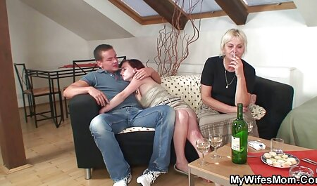 مستاجر جوان یک خانه دار فیلم سوپر مادر با پسرش نازک را با موهای کوتاه در یک ترک گور کرد