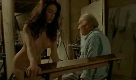 دختر سرخ در اتاق خواب خود را در بیدمشک فیلم های سکسی مادر وپسر و مقعد در وب کم