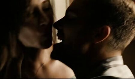 مرد فیلم سکسی پسر نوجوان دزد دختر دوست داشتنی را در خروس بزرگ مقعد