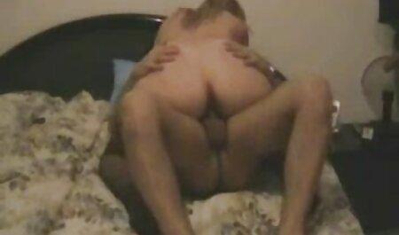 دو پسر به نوبت لعنتی یک دوست دختر اغواگر را می فیلم سکسی زن با پسر گیرند