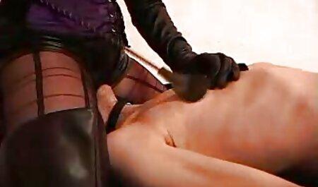 شریک فلم سکس پسر بازیگران ، خروس لاتین پرشور را روی یک خروس می کشد