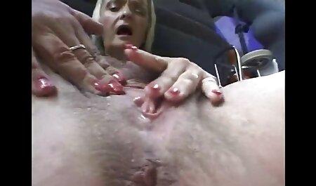 زن پیچ بزرگ همسر را سکس سوپر مادر پسر که در حال ضبط روند در مقابل دوربین است ، انگشت می زند