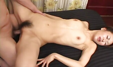 لزبین های ماساژ داستان سکسی پسران گی جنسی با مشتریانی که روی مبل بودند رابطه جنسی داشتند