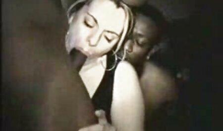 سبزه در شلوار استرچ و تم صورتی باعث شد بیدمشک او توسط فیلم سکسی جوردی پسرک معروف یک خروس بزرگ در چادر پاره شود
