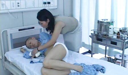 زن سیاه و سفید زیبا جلوی یک فیلم سکس دختر و پسر خارجی وب کم نوازش می کند
