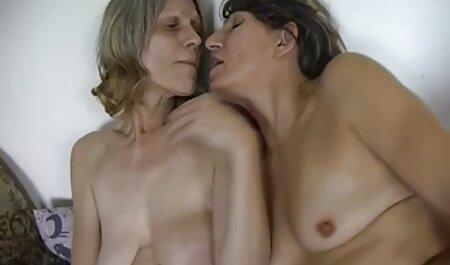 دهان کوچک لاتین یک خروس ضخیم فیلم سکسی پسر مادر به ارتفاع دو متر بلعیده است