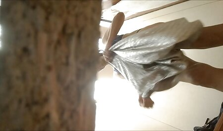 ویبراتور دستی فیلمسکس بامادر بلوند در اتاق خواب