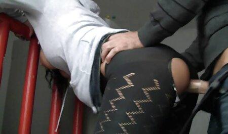 زن چاق سینه هایش را دانلود فیلم سکسی پسر جلوی شوهرش می برد