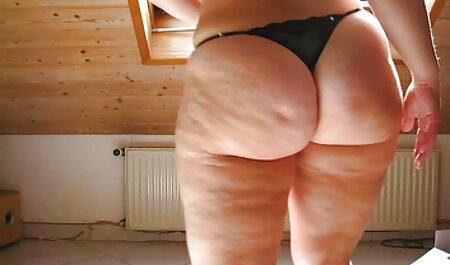 بلوند دانلود فیلم سکسی پسر مادر جوان بچه ها را در دو جفت روی تخت می ریزد