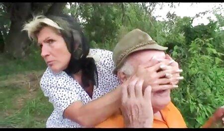 فاکر یک بازیگر مشتاق با یک خروس بزرگ تا الاغ سوپرسکس مادروپسر خود دارد