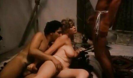 چک بالغ با سینه های فیلم سکسی پسر نوجوان با زن بزرگ یک خروس عظیم را در بازیگران نوازش می دهد