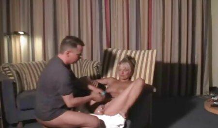 آنیتا بلینی با یک خروس همراه و خال کوبی را با دهان و دو سکس پسرباپسرخوشگل کلیک خوشحال می کند