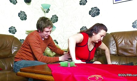 مرد سکسی یک غریبه شلوغ را روی میز قرار می دهد دانلود فیلم سکس پسر با مامان