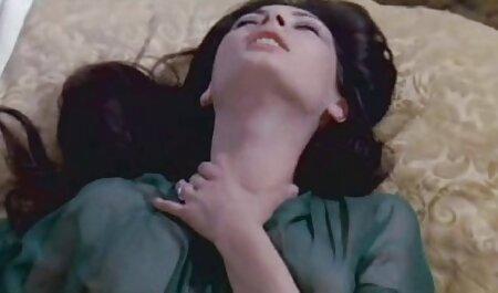 همسر دلسوز شوهر خود را با کمبود نقطه فیلم سکسی گی پسران در راهرو خوشحال می کند