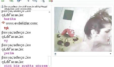 جوجه ای کلیپ سکس پسر با پسر در یک تی شرت سفید در الاغ روی یک کیرمصنوعی سیاه لعنتی است و شیرین ناله می کند