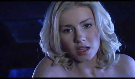 بلوند 40 ساله در یک دانلود فیلم سکسی دختر و پسر نمایش لباس شنا او را تکان می دهد