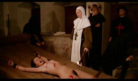 جوجه روسی با دانلود فیلم سکسی مادر وپسر روغن آغشته شد و لعنتی روی مبل