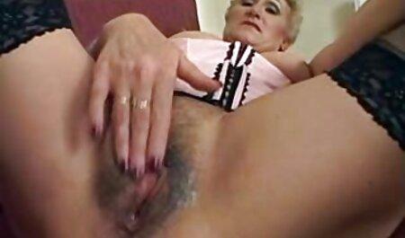 خال کوبی خال کوبی با انگشتان مو صورتی را در وان حمام وصل کنید فیلم سکسی مادر پسر
