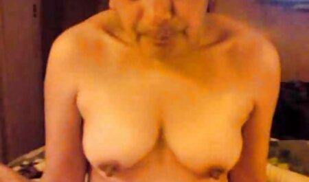 زن چاق با فیلم سکسی زن با پسر لباس توسط مرد سیاه پوست در واژن لعنتی