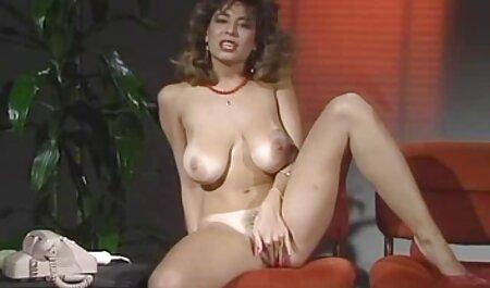 هم اتاقی ریش پس از کانیلینگوس یک فیلم سکسی دختر و پسر الیداک بزرگ را درون شکاف باریک سوار می کند