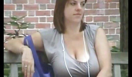 موضوع ماساژ دادن ، بیدمشک روغنی مشتری را انگشت می فیلم سکس دخترو پسر زند