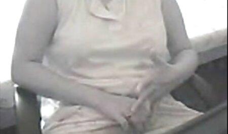 دوست دانلود فیلم سکس پسر با مامان پسر با آلت بزرگ قبل از مقعد ، دانش آموز را با دیلدو انگشت می زند