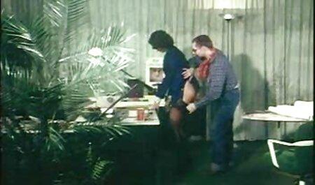مرد خال کوبی آلینا داوسون دانلود فیلم سکسی مادر وپسر را لگد می زند و انگشتان الاغ را با انگشتان خود می کند
