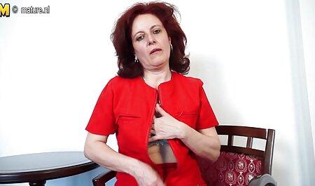 ویولت پینک فیلم سکس پسر با مادر شورت های خود را برداشته و با انگشتان دست بیدمشک می دهد