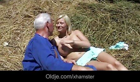 Blonde فیلم سکسی دختر و پسر نوجوان با ماشین جنسی در مقابل وب کم سرگرم کننده است